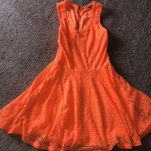 Express Neón Orange dress